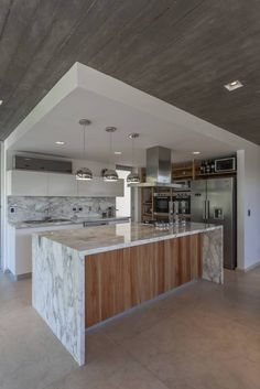 Cool and modern kitchen designs this year. Are you looking for inspiration for your home kitchen design? Take a look at the kitchen design ideas here. There is a modern, rustic, fancy kitchen design, etc. House Design, Kitchen Cabinet Design, Modern Kitchen Design, Home, Contemporary Kitchen, Kitchen Remodel, House, Kitchen Design, Contemporary Kitchen Cabinets