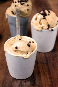 helado dulce de leche Cake Recipes, Dessert Recipes, Desserts, Cooking Time, Cooking Recipes, Cookies And Cream, Chocolate Cupcakes, Tapas, Sweet Treats