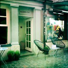 Cafe Noordlicht in Schaffhausen mit vielen tollen Zeitschriften zum lesen Restaurant, Furniture, Home Decor, Magazines, Word Reading, Restaurants, Interior Design, Home Interior Design, Dining Rooms