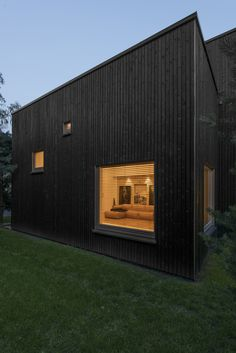 House in Vilnius / Laurynas Žakevičius Architects - Lituania House Of Lashes, House Stark, House Of Cards, House Goals, Black House, House Music, Landscape Design, Beautiful Homes, Architecture Design