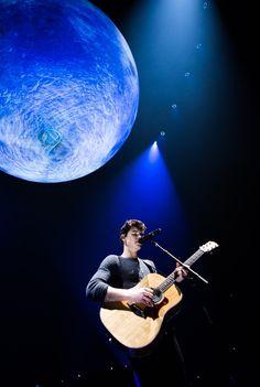 Amo esa maldit luna