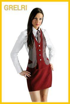 Grembiule elegante e raffinato bar ristorante gelateria, abbinato a camicia bianca e cravatta in rigato abbinato.