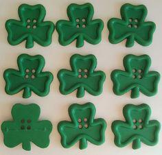 IRISH CHARM - St Patricks Day Shamrock Green Ireand Dress It Up Craft Buttons