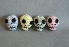 mini amigurumi skull crochet pattern