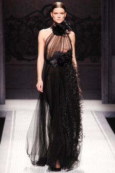 Alberta Ferretti Fall 2012 Ready-to-Wear Fashion Show - Kasia Struss