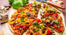 Fancy a vegetable pizza? This recipe proves that vegan pizza does not require cheese substitution and tastes at least as good as the original. Healthy Pizza, Healthy Baking, Healthy Snacks, Medium Recipe, Whole Food Recipes, Cooking Recipes, Vegetarian Recipes, Healthy Recipes, Vegan Meal Plans