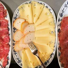 #goodmorning #buongiorno #gutenmorgen #breakfast #fhrüstück #hotel #hotelbreakfast #cheese #käse #holidaymood