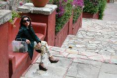 Outfit Agosto-Septiembre '13 Museo Ex Hacienda San Gabriel de Barrera Guanajuato,Mx Leggins Stradivari, Trench Blue Sand Italia, Lentes de Sol Mango, Bolsa Vintage, Zapatos Marco,Italia