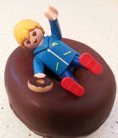 Momentos redondos con @donuts_es ! #quemegustaunclick #clickmania #playmobil #toyphotography #playmolovers #mylife #donuts #momentosredondos #chocolate #ilovedonuts