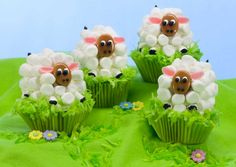Easter+Lamb+Carrot+Cupcakes