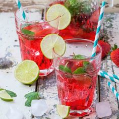 Make this amazing and easy copycat Sonic Strawberry Limeade to quench your thirst on a hot day. Party Drinks, Wine Drinks, Detox Drinks, Beverages, Best Dinner Recipes, Great Recipes, Pink Punch Recipes, Strawberry Limeade, Food N