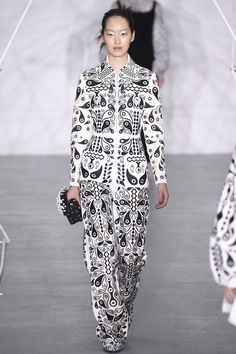 See the complete Holly Fulton Fall 2016 Ready-to-Wear collection.