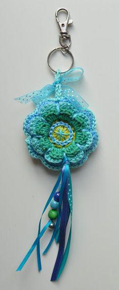 It Busy Bee: Flower bag hanger ...
