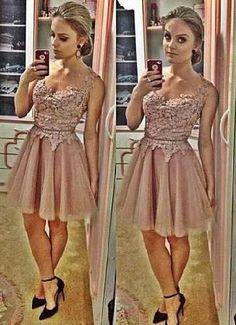 Vestido Com Renda Rodado Luxuoso Importado Frete Gratis - R$ 158,00
