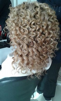 Curly Hair Types, Haircuts For Curly Hair, Permed Hairstyles, Long Curly Hair, Straight Hairstyles, Curly Perm, Nice Hairstyles, Medium Hair Styles, Short Hair Styles