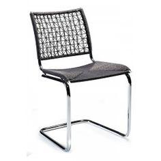 Designstoel - Beta - Zwart rotan - Dan-Form Retro is weer hip! Breng nostalgie terug met deze stoere rotan stoel! De Beta is verkrijgbaar in 2 kleuren, naturel en zwart. Het onderstel is van chroom.