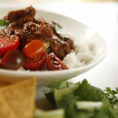 Melt in the mouth chunky beef chilli without the hours and hours of preparation. Cue the guac and the corn chips! Steam Recipes, Light Recipes, Beef Recipes, Vegetarian Recipes, Cooking Recipes, Healthy Recipes, Savoury Recipes, Recipies, Slow Cooked Beef