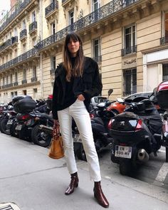 These are the 10 pieces you'll find in every French girl's winter wardrobe. Shop the items here to tap into Parisian style. Best Winter Shoes, Winter Shoes For Women, Fall Shoes, Women's Shoes, Fashion Mode, Look Fashion, Fashion Trends, Fashion 2017, Fall Fashion