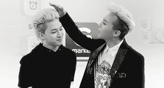 I love the face GD makes: just touching ya hair and you star poking me. Riiight lol