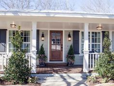 New House White Grey Exterior Wood Doors Ideas Fixer Upper Hgtv, Fixer Upper House, Exterior Paint Colors, Exterior House Colors, Paint Colors For Home, Bungalow Exterior, Paint Colours, Grey House White Trim, Casas Magnolia