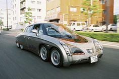 8輪電気自動車エリーカ 走行中の「エリーカ」。電気自動車では世界最速となる、370kmのスピードを持つ<写真提供:清水 浩氏>