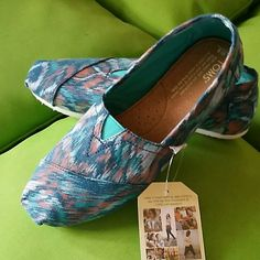 Toms Blue Ikat Flats 7.5 & 8 Cute Toms in canvas with Ikat print in blue/turqouise,  Size 8, brand new with tags!  More great shoes in Size 7.5 & 8 in my closet! Bundle & Save!!! TOMS Shoes Flats & Loafers