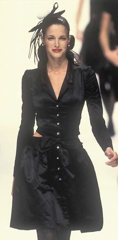Stephanie Seymour  - Chanel, Autumn-Winter 1994, Couture