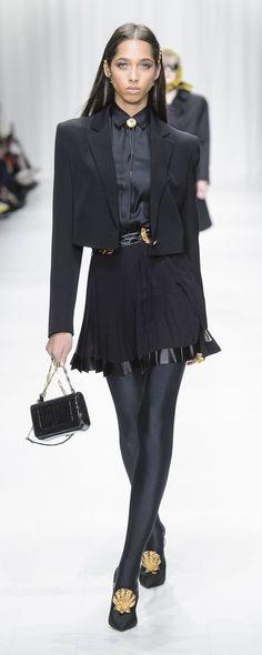 Versace Printemps-été 2018 - Prêt-à-porter - http://fr.orientpalms.com/Versace-6922 - ©ImaxTree