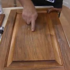 Furniture Wax, Furniture Makeover, Diy Wood Projects, Furniture Projects, Beeswax Polish, Cleaning Wood, Into The Woods, Camper Makeover, Wooden Decor