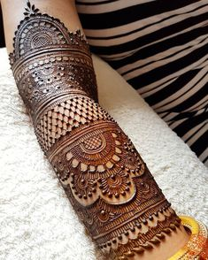 No occasion is carried out without mehndi as it is an important necessity for Pakistani Culture.Here,you can see simple Arabic mehndi designs.Still ongoing at Tashmeet's.Image may contain: 1 person Full Mehndi Designs, Simple Arabic Mehndi Designs, Indian Mehndi Designs, Henna Art Designs, Mehndi Designs For Girls, Stylish Mehndi Designs, Mehndi Design Pictures, Wedding Mehndi Designs, Beautiful Mehndi Design