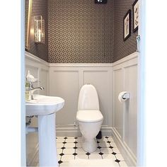 Just love this guest toilet by Our wallpaper Edvin is truly one of my favourites! West of Sweden Downstairs Cloakroom, Downstairs Toilet, Guest Toilet, Small Toilet, Bad Inspiration, Bathroom Inspiration, Bathroom Layout, Small Bathroom, Home Interior