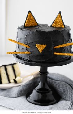 Black Cat Cake | Carrie Sellman for TheCakeBlog.com