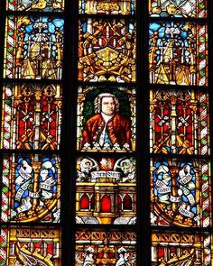 Gedächtniskirche der Protestation in Speyer. Glasfenster von Karl de Bouché Bach Window Thomaskirche.jpg