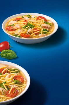 Try this step by step Barilla recipe for a delicious meal that you're sure to love. Spaghetti Soup, Chicken Spaghetti Recipes, Chicken Soups, Spinach Recipes, Soup Recipes, Cooking Recipes, Fideo Soup Recipe, Barilla Recipes, Spagetti Recipe