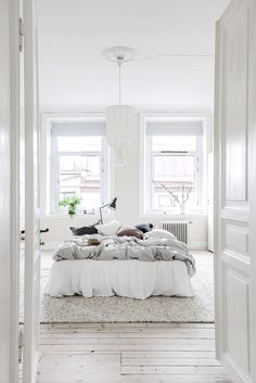 A Bright Scandinavian Apartment in Gothenburg (Gravity Home) Home Decor Bedroom, Gravity Home, Bedroom Inspirations, Home Bedroom, Bedroom Interior, Bedroom Design, Interior, Beautiful Bedrooms, Home Decor