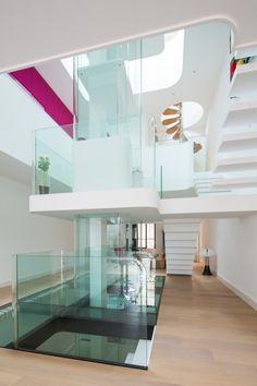 Pierre Antoine Compain a terminé la rénovation de cette magnifique maison de ville, située dans le centre ville de La Rochelle. Dans le cadre de la rénovation d'une maison d'habitation, ce projet vise à créer un diagramme de flux, à la fois singulier et pratique.