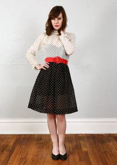 Etsy の SALE Vintage Polka Dot Dress . NOS Never Worn by VeraVague