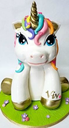 Savory magic cake with roasted peppers and tandoori - Clean Eating Snacks Unicorn Birthday, Unicorn Party, Unicorn Cakes, 3d Cakes, Mini Cakes, Fondant Cakes, Rosalie, Cupcake Wars, Zucchini Cake