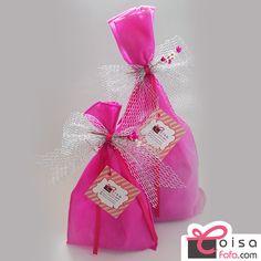 Pensou em presentear alguém?  Dá uma olhadinha no site CoisaFofa.com. Entregamos embrulhado para presente e com a sua mensagem! Fofuras express!!! #coisafofa #presente #presenteparanamorada #presenteparaamiga