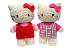 knitted hello kitty sisters