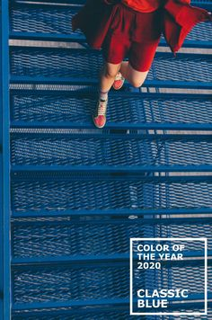 """Pantone has officially announced the 2020 Color of the Year - Classic Blue. As an extra element to the color reveal, Pantone has also partnered with several brands to create a multi-sensory experience of """"Classic Blue. Azul Pantone, Pantone Blue, Pantone 2020, Pantone Color, Blue Colour Palette, Blue Color Schemes, Dark Blue Color, Turquoise Cushions, Bleu Cobalt"""
