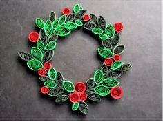 Shuffle: Decorations That Bring the Christmas Spirit Straight To Your Home Paper Quilling Christmas Ornaments Arte Quilling, Paper Quilling Patterns, Origami And Quilling, Quilled Paper Art, Quilling Paper Craft, Quilling Ideas, Paper Crafts, Paper Christmas Ornaments, Decoration Christmas