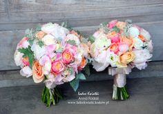 Wedding Bouquet and a small bouquet for your bridesmaids - the romantic, warm pastel colors