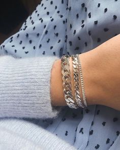 Silver bracelets for fall Cute Jewelry, Jewelry Accessories, Fashion Accessories, Jewelry Necklaces, Fashion Jewelry, Fashion Sandals, Silver Bracelets, Silver Jewelry, Accesorios Casual