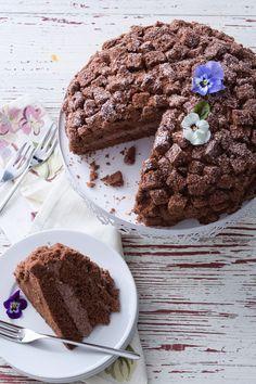 Torta mimosa al cioccolato: una versione ancora più golosa per celebrare la festa della donna! [Women's international day mimosa chocolate cake]
