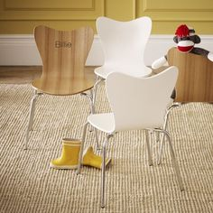 Scoop back chairs on sale at West Elm right now.  I think this might be my next purchase for Eli's playroom.  Great to go with a little table!