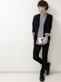 SHI-MAさんの「MEN ラムVネックカーディガン(長袖)(ユニクロ|ユニクロ)」を使ったコーディネート Asian Fashion, Boy Fashion, Fashion Art, Fashion Outfits, Womens Fashion, Korean Outfits, Boy Outfits, Lined Jeans, Fashion Poses