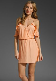 romantic peach dress-would look so good if you're tan!