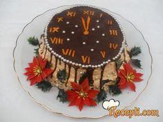 Recept za Ponoćnu tortu. Za spremanje torte neophodno je pripremiti belanca, šećer, brašno, suvo grožđe, urme, orah, prašak za pecivo, mleko, pomorandže.