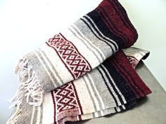 vintage mexican blanket  1970s maroon/grey/white fringed by mkmack